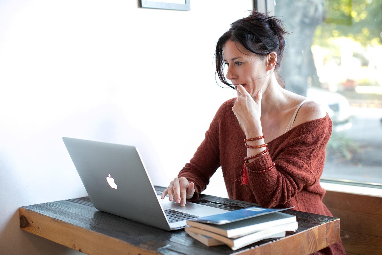 Les rencontres en ligne: bonne ou mauvaise idée?