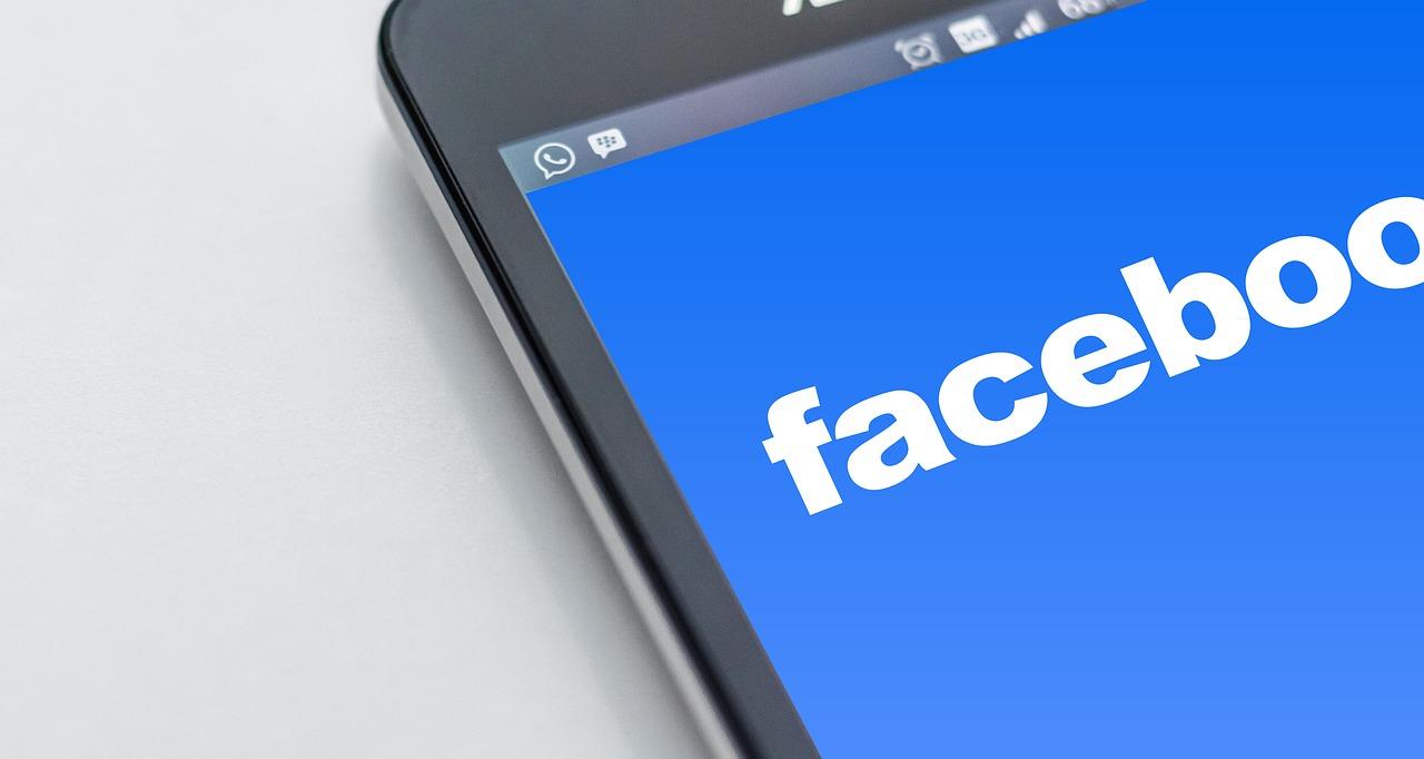Découvrez les applications Facebook e-commerce pour vendre via votre page Facebook